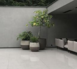 Biesot Atelier Vierkant potten op strak terras