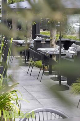 Buitenterras van restaurant Vlaar in 's Graveland